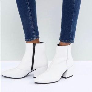 Vagabond White Leather 'Olivia' Boots